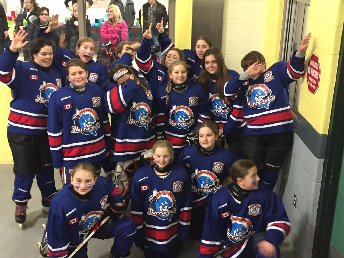 Peewee_Blue_Thunder_-_Aylmer_Tournament_2.JPG